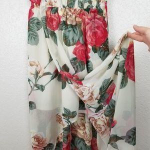 Show Me Your MuMu Dresses - NWT Show Me Your MuMu Kendall Floral Maxi Dress M